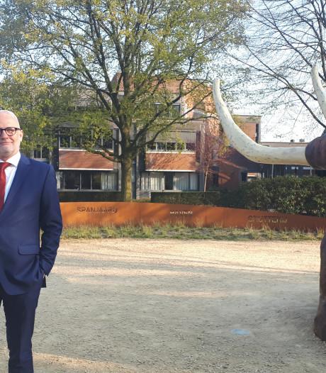 """Waarnemend burgemeester van Borne: """"Twents praten, dat ga ik niet doen"""""""