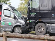 N332 tussen Holten en Lochem uren dicht door ongeval in Laren