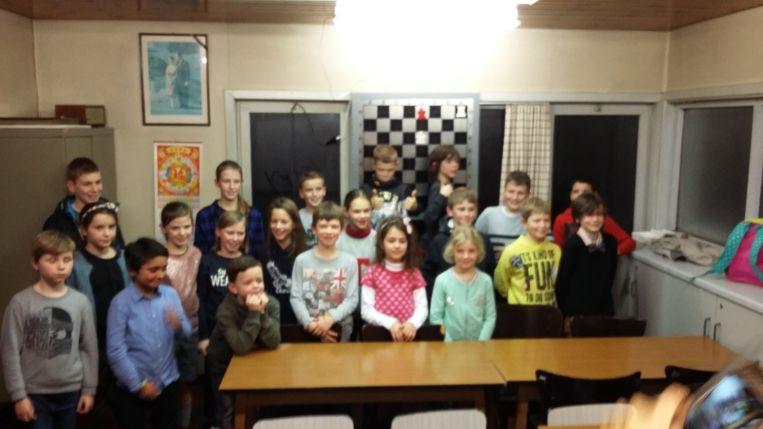 De jonge schakers die deelnamen aan het kersttornooi van Karpov Deinze.