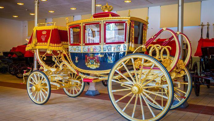 De Glazen Koets vervangt morgen op Prinsjesdag de Gouden Koets, die momenteel wordt gerestaureerd.
