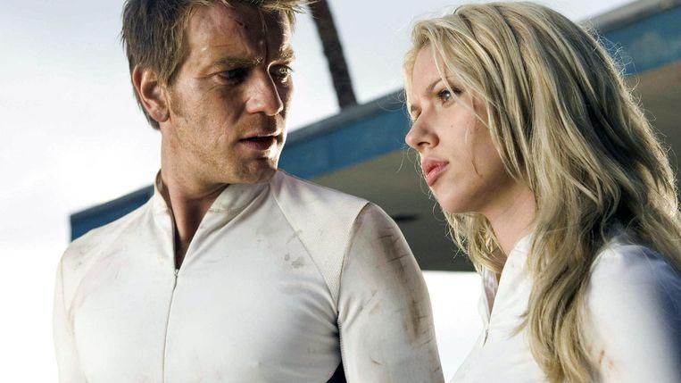 Ewan McGregor en Scarlett Johansson in uit The Island van Michael Bay. Beeld RV