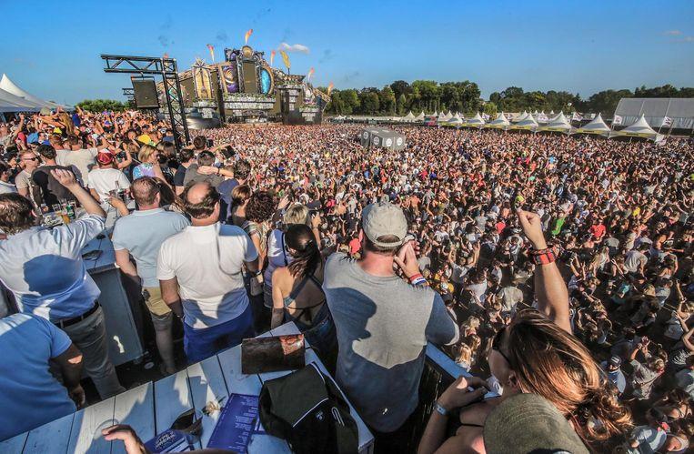 De 22.000 festivalgangers op het terrein van het uitverkochte Hype-O-Dream.