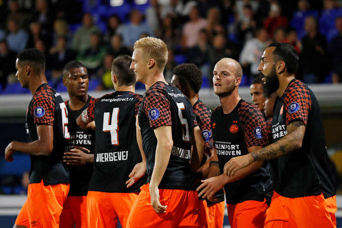 PSV plaatste zich via zeges op FK Haugesund en Apollon Limassol voor de groepsfase van de Europa League. Daardoor worden veel wedstrijden in de nationale competitie verplaatst.