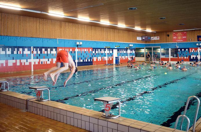 Zwemmen in zwembad Calluna in Ermelo is sinds 1 juli flink duurder geworden, maar die prijsstijging wordt nu ongedaan gemaakt.