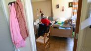 """LIVE. """"Steeds meer meldingen van privé-feestjes"""" - Gitzwarte sterftecijfers: 325 doden in laatste 24 uur - Leverancier mondmaskers verdedigt zich"""