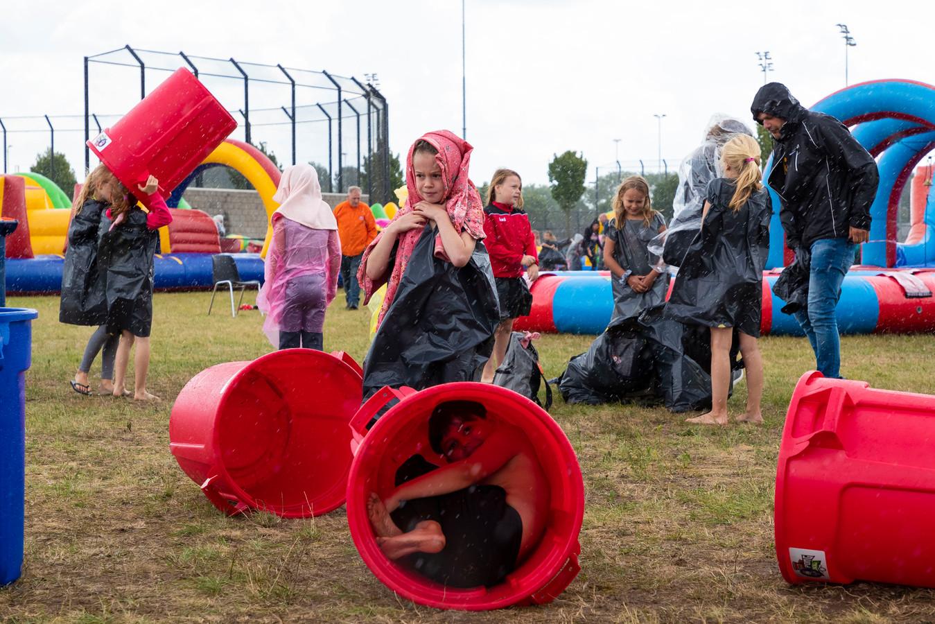 Het regende in 2019 soms tijdens de kindervakantieweek in Rosmalen. Dit jaar gaat ie niet door.
