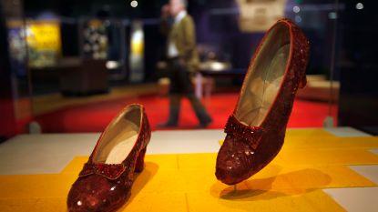 13 jaar nadat ze gestolen werden, zijn rode muiltjes uit 'The Wizard of Oz' terecht