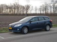 Kroegbaas in Almelo bestolen van auto die voor zijn café stond