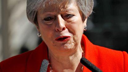 Geëmotioneerde Theresa May kondigt ontslag aan als premier van het Verenigd Koninkrijk