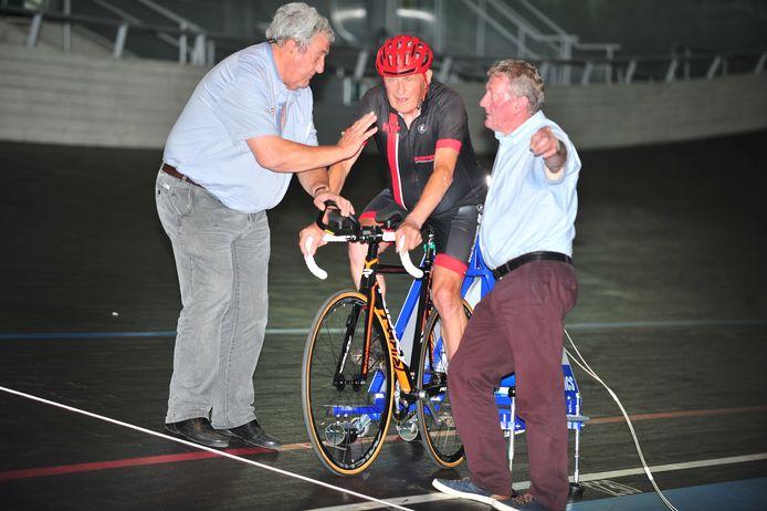 Jef Geerts bij de start van zijn recordpoging.