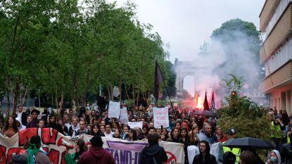 """4.000 mensen op kleurrijke betoging tegen extreemrechts: """"Ongerust over het land waarin we leven"""""""