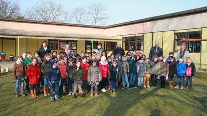 Jeugdauteurs bezoeken leerlingen