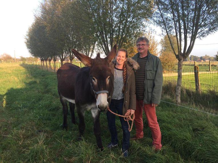 Piet en Loes Ternest met ezel Black Berry.
