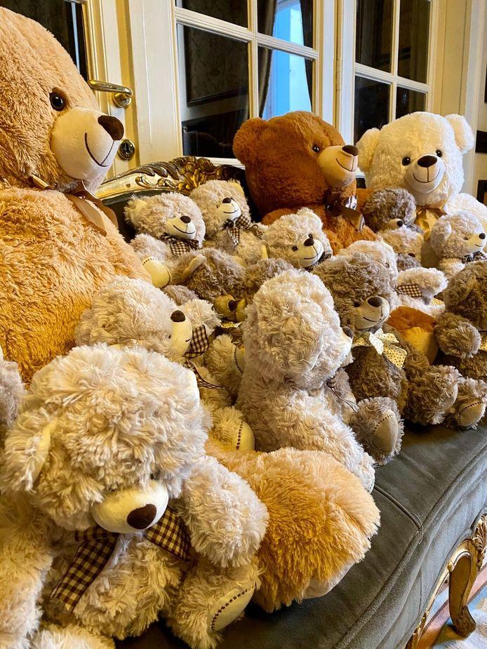 Wie het kan raden, wint een teddybeer.