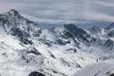 Freeriders hebben in Val d'Anniviers een groots uitzicht .