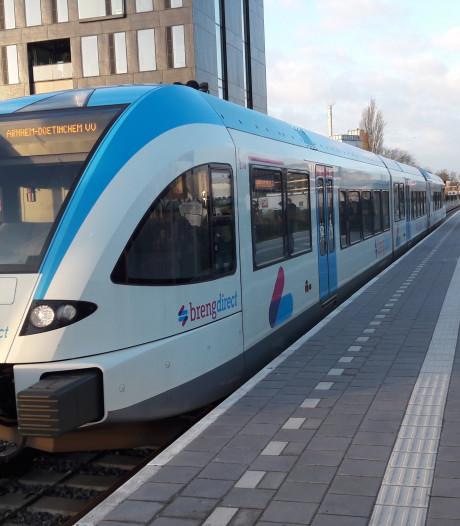 Langere ochtendspitstrein Tiel-Arnhem, extra bus niet meer nodig