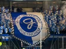 Fanatieke supporters blijven De Graafschap steunen: 'Dan volgend seizoen maar kampioen'