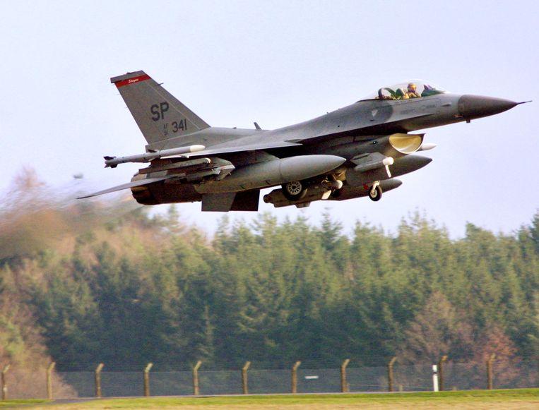 Een Amerikaanse F-16 op de basis van Spangdahlem (archiefbeeld).
