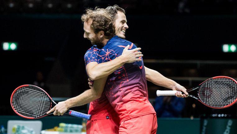 Wesley Koolhof (r) en Matwe Middelkoop (l) winnen hun dubbelpartij in de tweede ronde van het ABN AMRO-tennistoernooi in Rotterdam Ahoy Beeld anp