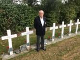 Eerste bezoek aan Franse begraafplaats in Kapelle is emotioneel moment voor oorlogsveteraan Achille Muller