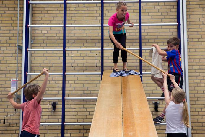 Van de minimaal drie uur gymles per week op basisscholen die het vorig kabinet voorstond, is niets terechtgekomen.