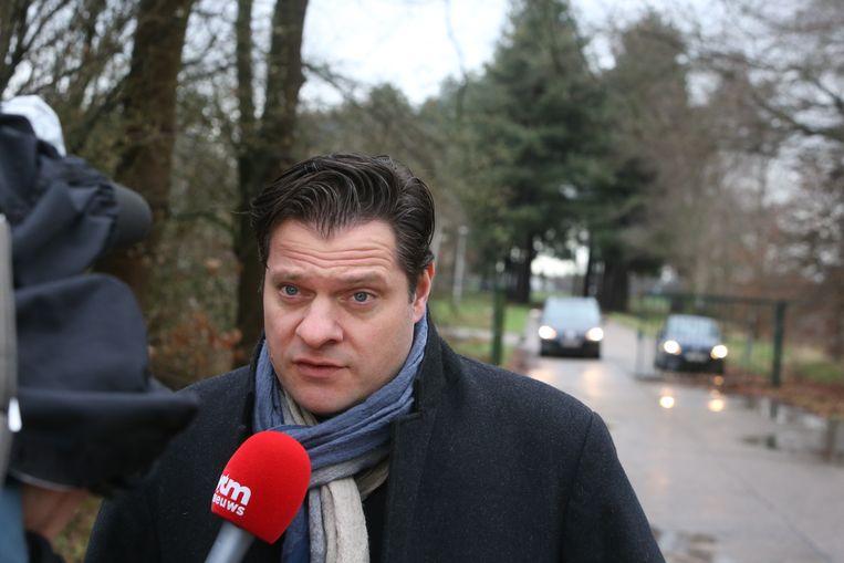 Advocaat Christian Clement die glazenwasser Stephaan Du Lion verdedigt, zegt dat zijn cliënt meewerkt aan het onderzoek, voor zover hij kan.