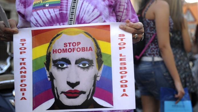Een protest in Madrid tegen Russische anti-homowetgeving.