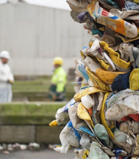 Vervuiling plastic afval? Hengelose burger betaalt de rekening: 'Heel zuur'