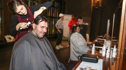 Hippe feestorganisator bezorgt kansarmen frisse knipbeurt