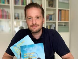 """Bjorn Kiggen (42) wil met zijn boek jongeren de weg wijzen naar psychisch welzijn: """"Ik schreef afscheidsbrieven, maar leid nu een mooi leven"""""""
