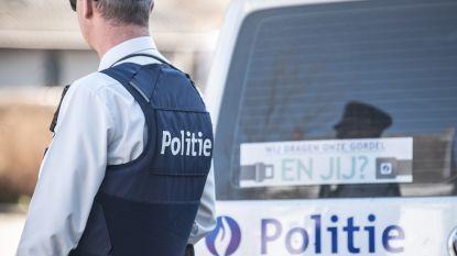 Jonge bestuurder wil opvallen met Mercedes, maar trekt vooral de aandacht van politieagent: 840 euro boete en 8 dagen rijverbod