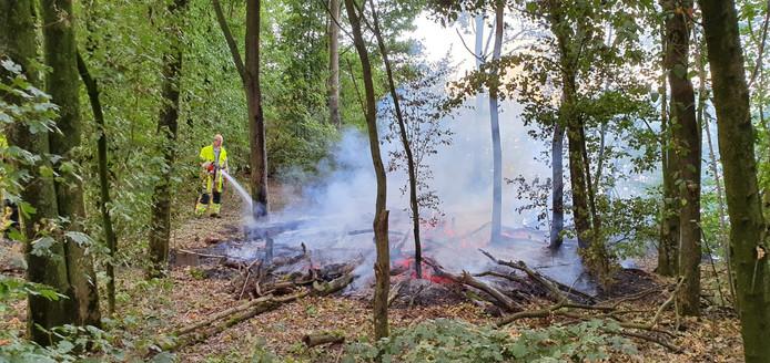 De brandweer rukte donderdagavond voor de derde keer uit voor een natuurbrand in Wijchen.