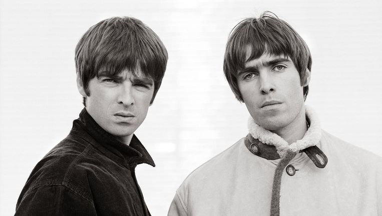 Noel Gallagher and Liam Gallagher in Oasis: SuperSonic Beeld -