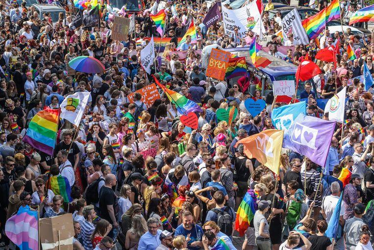 Deelnemers aan de Gay Pride in het Poolse Gdansk.  Beeld NurPhoto via Getty Images
