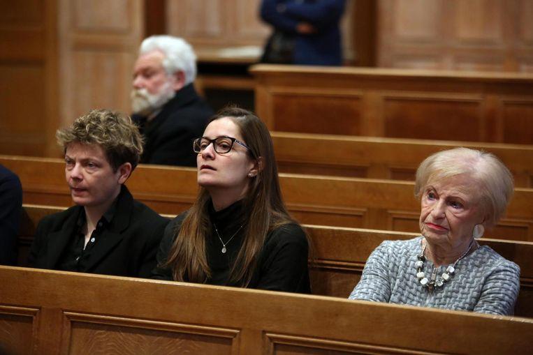 Op de foto zien we dochter Sophie Roelandt, dochter Stephanie Roelandt en schoonmoeder van de dokter Elisabeth Wybo.