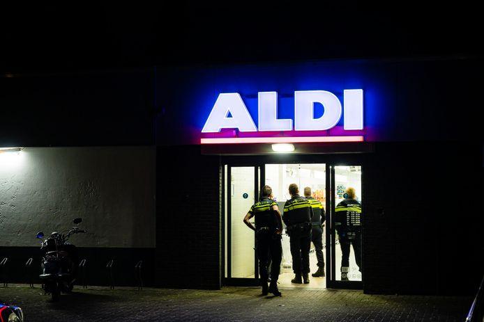 Gewapende overval door tweetal op Aldi in Tilburg