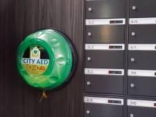 Utrecht en Nieuwegein krijgen er tientallen AED's bij