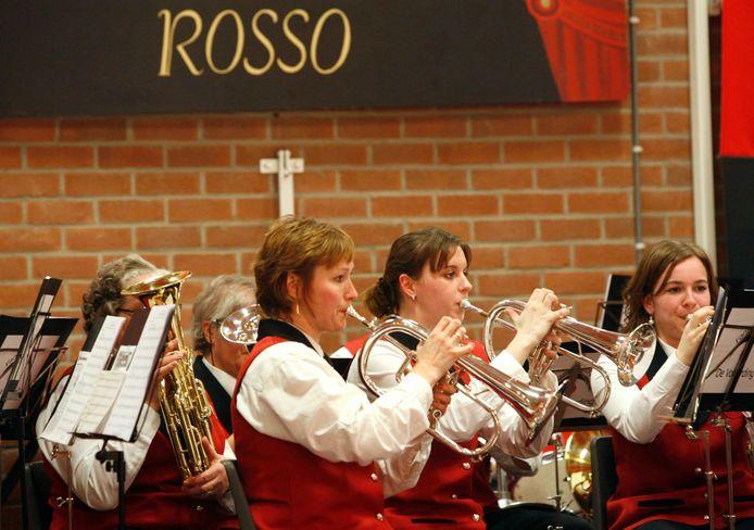 Fanfare De Volharding uit Deil in 2008 bij een 'Concerto in Rosso' in het Duifhuis.