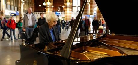 Afscheid van overleden componist Reinbert de Leeuw