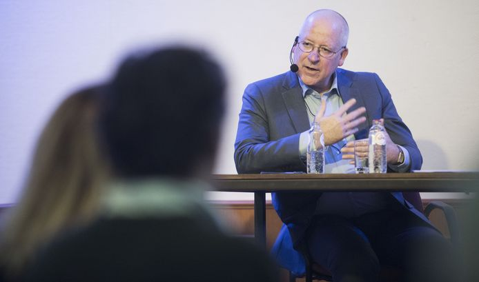"""Burgemeester John Joosten ziet geen onrust in Dinkelland: """"De mensen ondergaan hier de ontwikkelingen rustig, net zoals dat in heel Twente het geval is."""""""