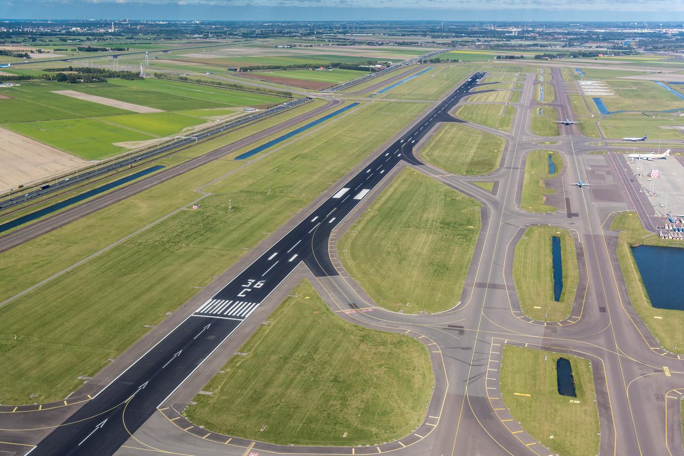 De Zwanenburgbaan van luchthaven Schiphol.
