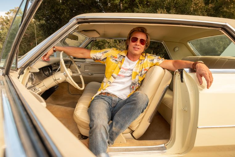Brad Pitt als stuntdubbel Cliff Booth in 'Once Upon a Time... in Hollywood'. Beeld -