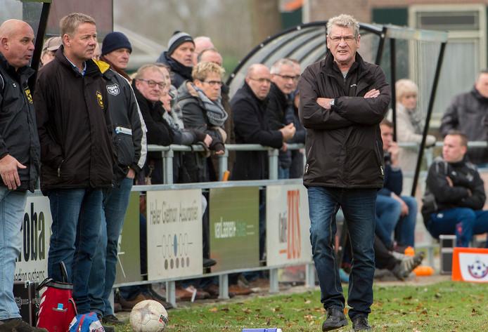 John Boeijen voor de dug-out van Diosa, zijn laatste club waar hij vorig jaar stopte.