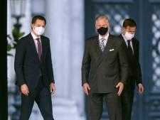 Nieuwe Belgische regering neemt laatste horden naar bordes