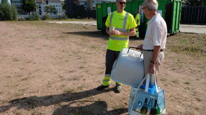 """Projectontwikkelaar houdt inzamelactie voor plastic zitbanken: """"120 kilogram afval nodig voor zitbank"""""""