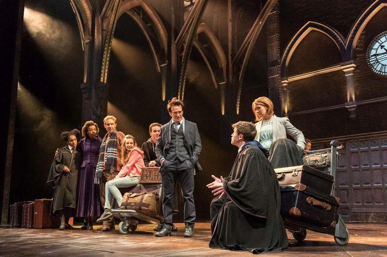De cast van het Harry Potter-toneelstuk. Beeld null