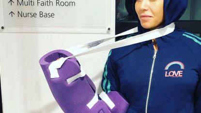 """Mel B in het ziekenhuis: """"Twee gebroken ribben en een losgerukte hand"""""""