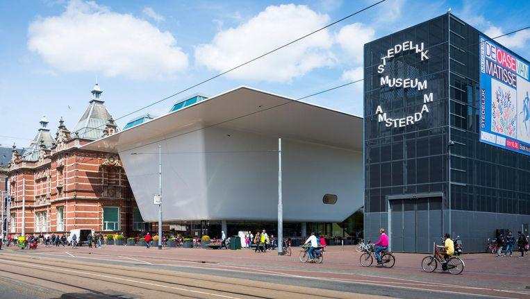 Met speelruimte, geld en begeleiding kan de volgende directeur het Stedelijk weer toonaangevend maken Beeld ANP