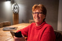 Geke Lensen, na twintig jaar wordt ze gedwongen te stoppen met haar journalistieke werk voor de Dedemsvaartse Courant, omdat die ophoudt te bestaan.
