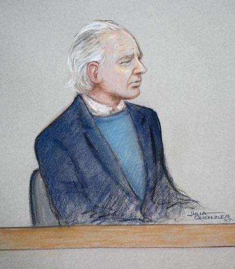 Julian Assange, confus et bredouillant, devant la justice à Londres